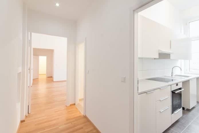 Prenovljen hodnik in kuhinja v hiši